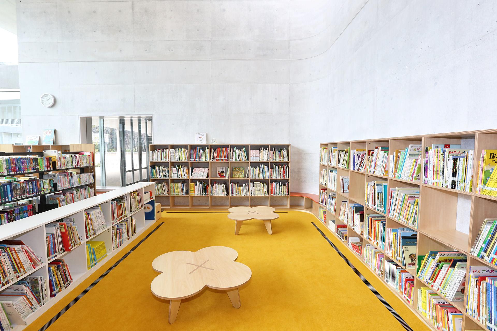 流山市立おおたかの森こども図書館